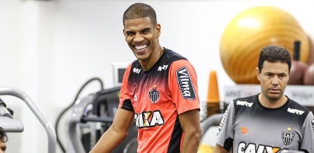 Leonardo Silva pode reforçar o Atlético-MG no clássico com o Cruzeiro