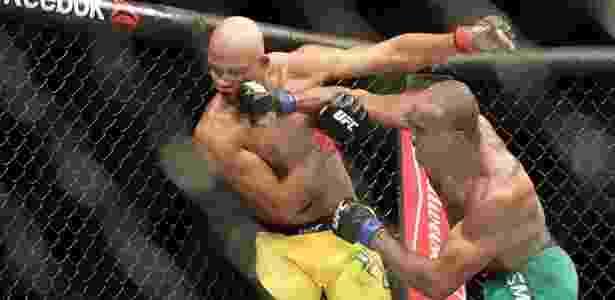 Warlley Alves é derrotado por Kamaru Usman no UFC São Paulo - Cleber Yamaguchi/Ag. Fight - Cleber Yamaguchi/Ag. Fight