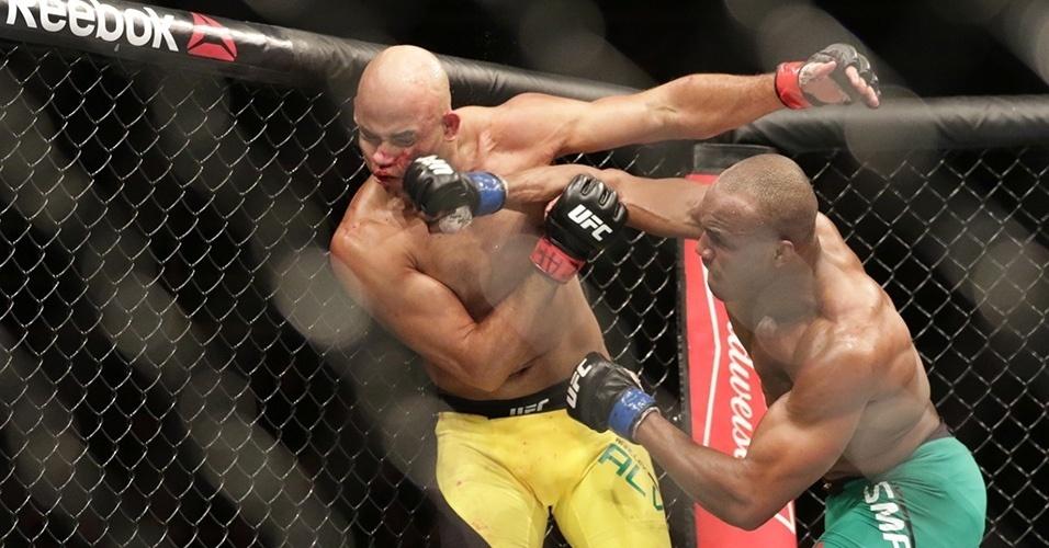 Warlley Alves é derrotado por Kamaru Usman no UFC São Paulo