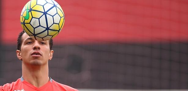 O atacante Leandro Damião se reapresentou normalmente ao Flamengo nesta quarta