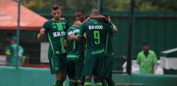 Chape abriu 2 a 0 no primeiro tempo; no segundo, Inter de Lages diminuiu