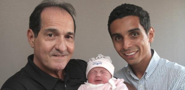 Muricy Ramalho comemora o nascimento da sua neta, Maria Clara