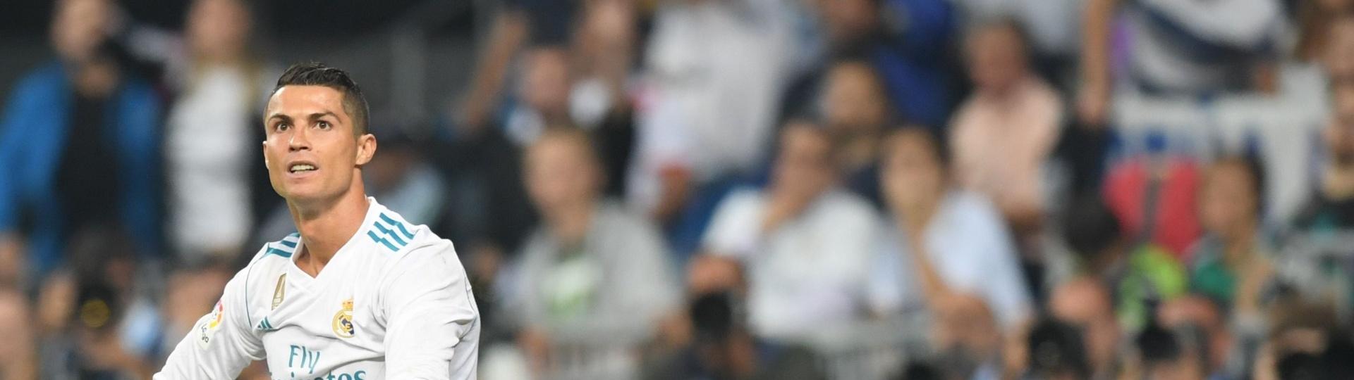 Cristiano Ronaldo se lamenta depois de perder gol para o Real Madrid contra o Betis
