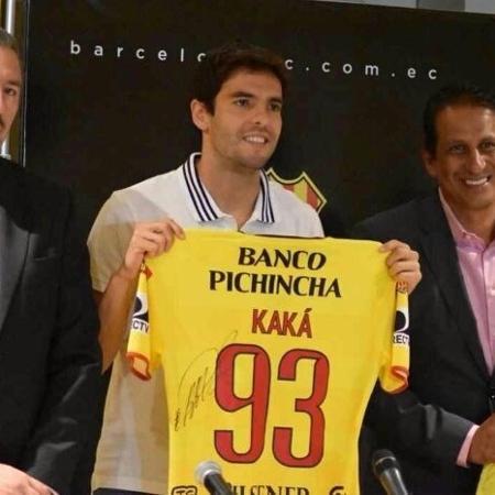 Kaká com a camisa do Barcelona-EQU - Divulgação