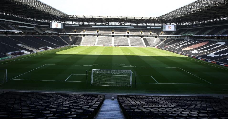 Estádio MK Dons seleção brasileira