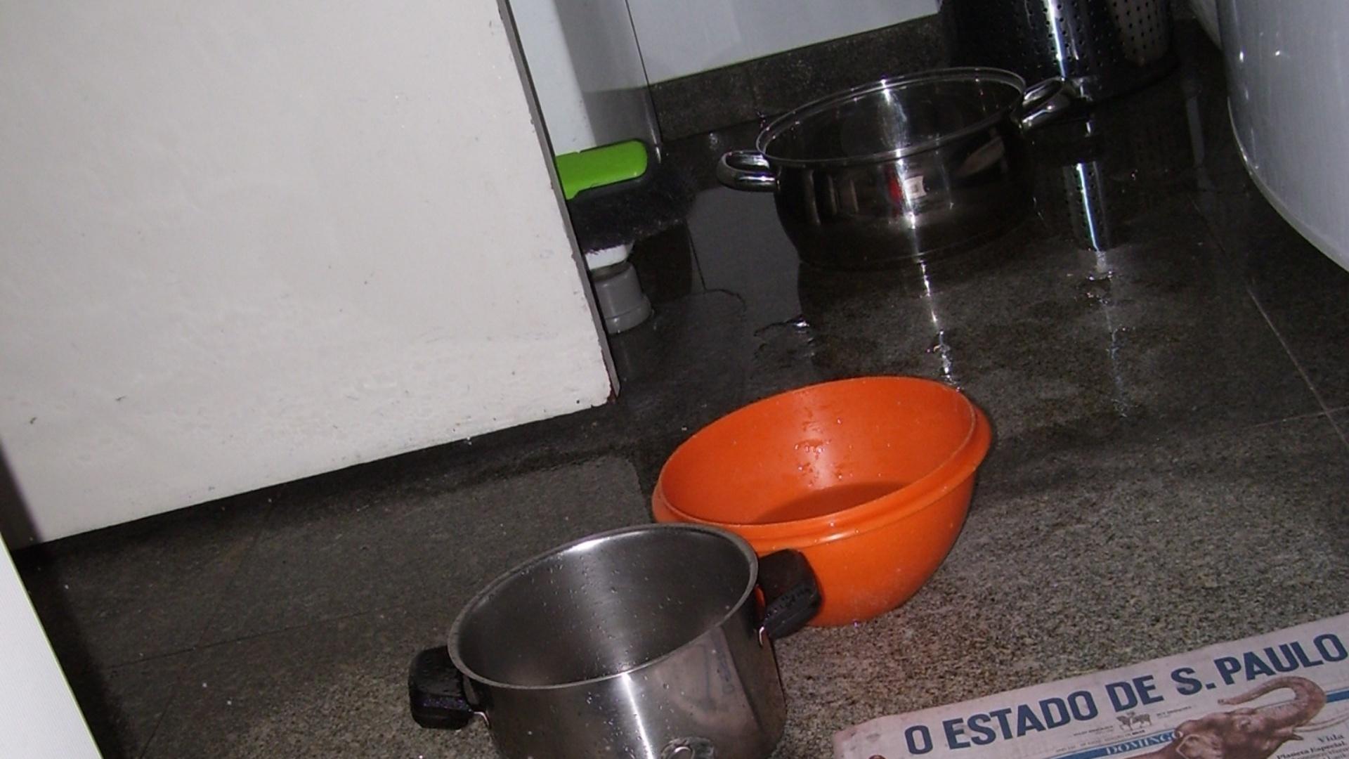 Vazamento cozinha Ronaldo apartamento