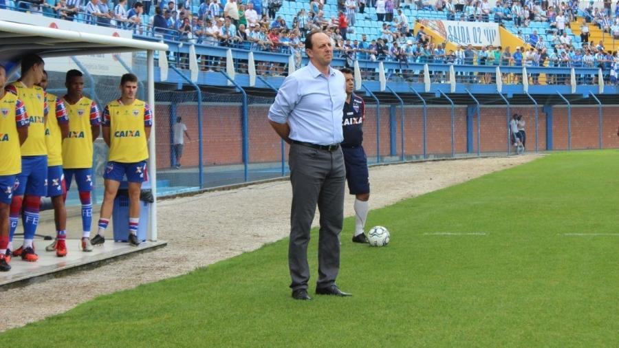 Rogério Ceni comanda o time do Fortaleza durante jogo - Divulgação/Fortaleza Esporte Clube