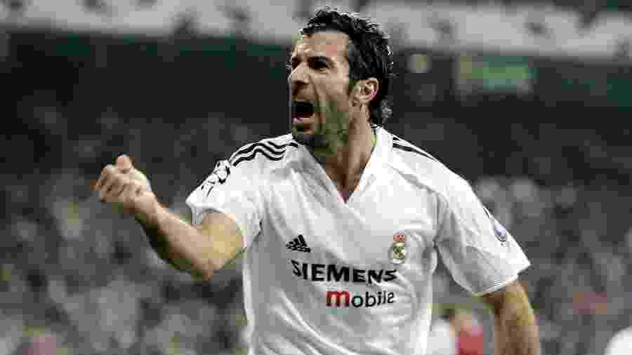 Luís Figo, eleito o melhor jogador do mundo em 2001, em ação pelo Real Madrid - Getty Images