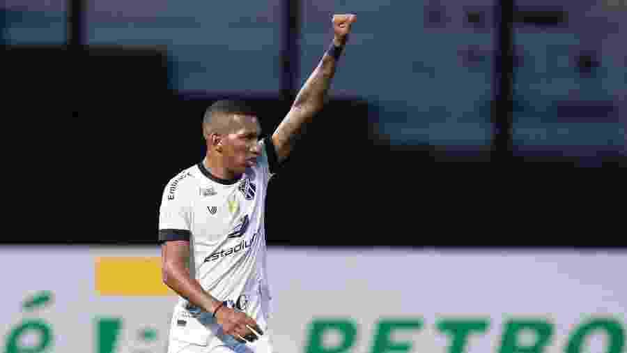 Leo Chu comemora gol marcado pelo Ceará contra o Vasco pelo Brasileirão 2020 - Jorge Rodrigues/AGIF