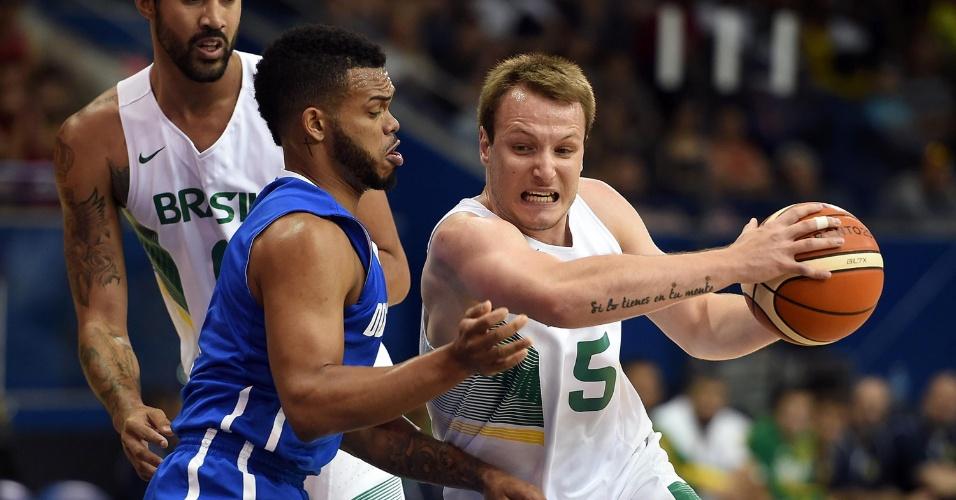 Brasil enfrenta a República Dominicana na semifinal do basquete masculino