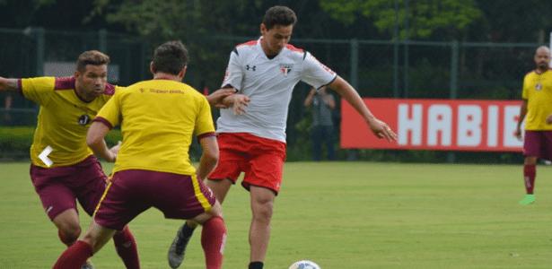 Ganso foi destaque do jogo-treino e participou dos dois gols do São Paulo