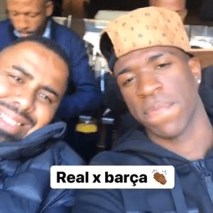 Vinícius Jr. acompanha clássico Real Madrid x Barcelona junto com alguns amigos