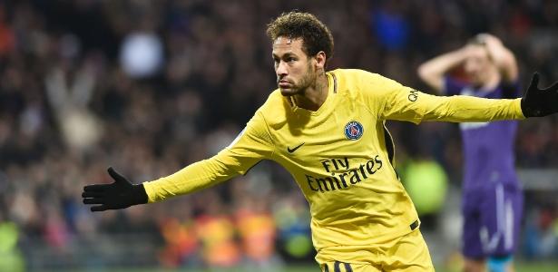 Neymar comemora gol feito pelo PSG contra o Toulouse