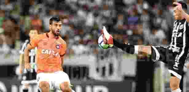 Camacho passou por cirurgia na mão após fratura em jogo pelo Atlético-PR. Miguel  Locatelli Site Oficial CAP e1fa0fcb647be