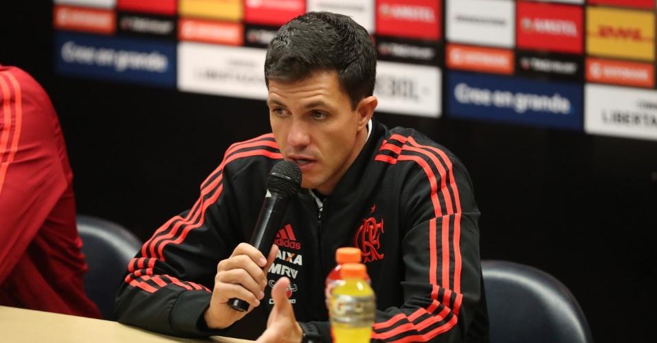 Maurício Barbieri dá explicações após mais uma atuação ruim do Flamengo em 2018
