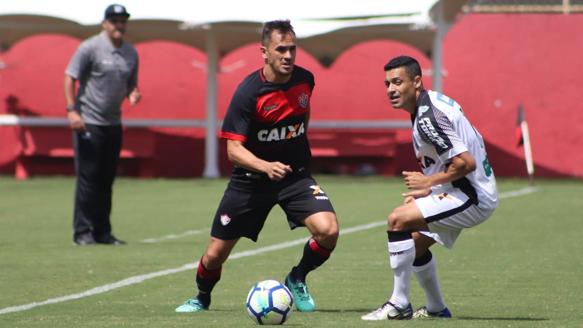Éder Luis marca Lucas em Vitória x Ceará