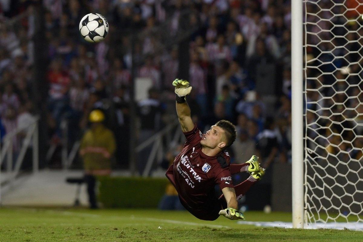 São Paulo anuncia a contratação do goleiro Tiago Volpi - 23 12 2018 - UOL  Esporte 50338b5afe78b