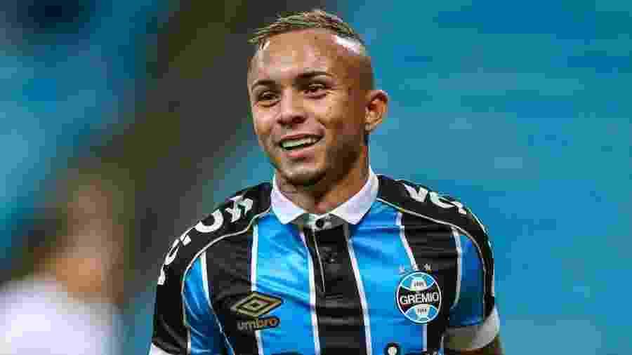 Everton, atacante do Grêmio, garante que não se frustrou por ficar no clube - Divulgação/Site oficial do Grêmio