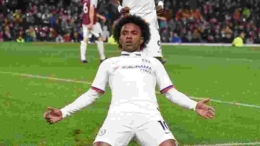 Em boa fase no Chelsea, Willian voltou a ser lembrado e coroou semana especial com gol - Oli Scarff/AFP