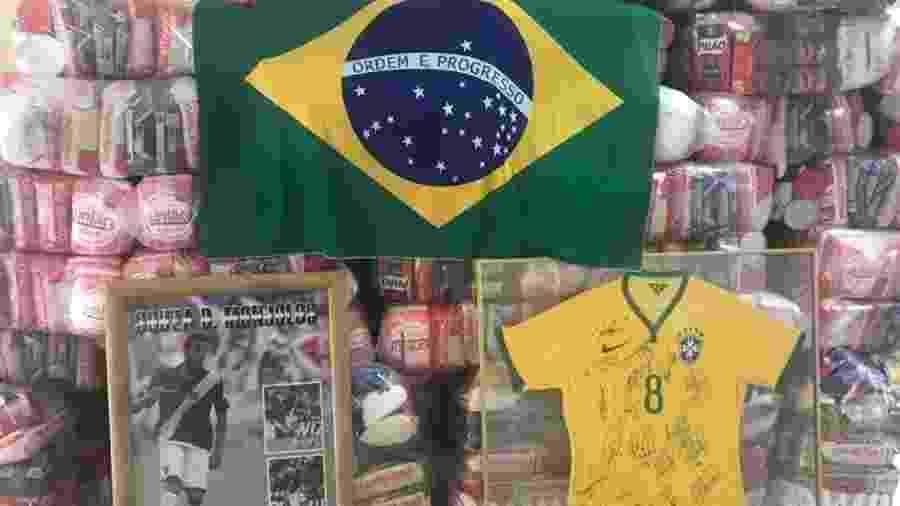 Souza doou 210 cestas básicas para o bairro de Monjolos, em São Gonçalo (RJ), onde foi nascido e criado - Divulgação