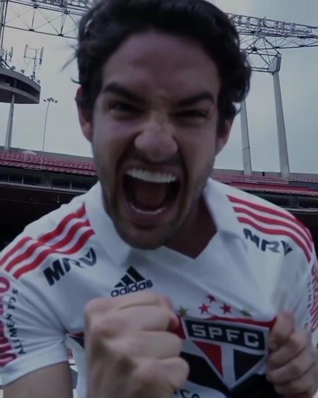 Alexandre Pato publicou vídeo de despedida nas redes sociais