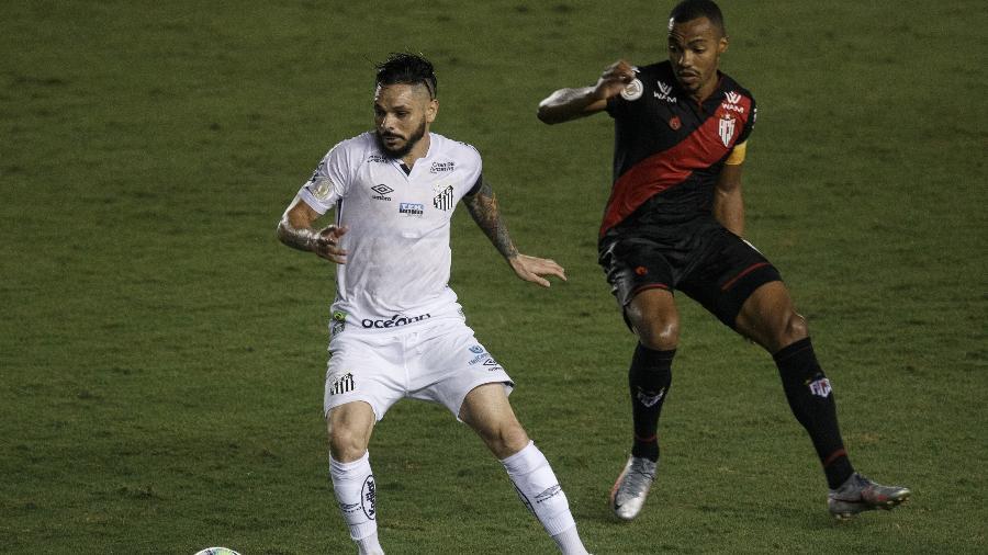 Atlético-GO vem de vitória sobre o Santos na Vila Belmiro - Ettore Chiereguini/AGIF