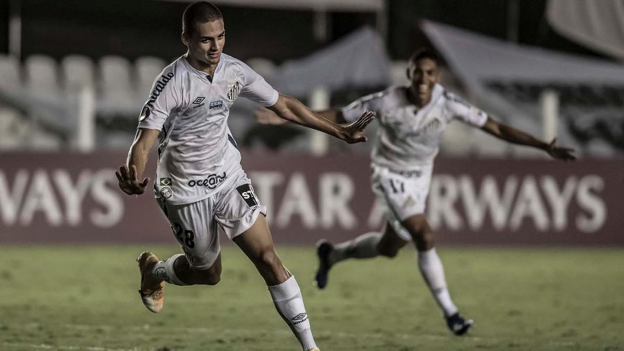 Kaiky comemora gol anotado contra o Deportivo Lara na Vila Belmiro  - Ivan Storti/Santos FC
