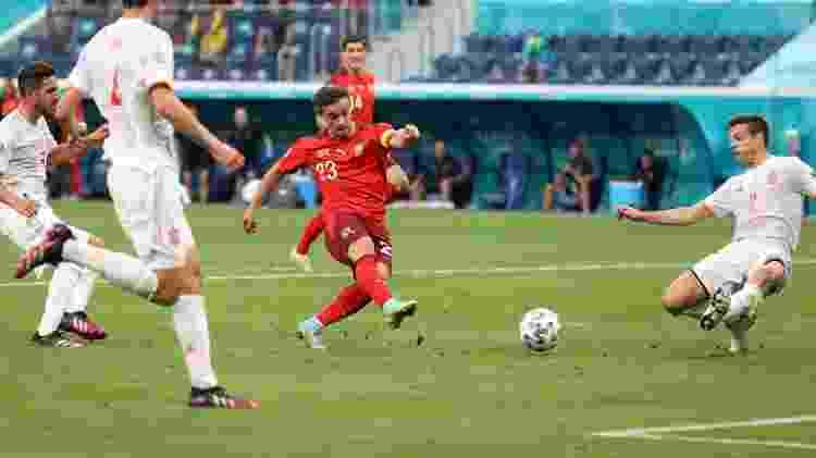 Shaqiri recebeu passe de Freuler e tirou de Simón para empatar o jogo para a Suíça  - Alexander Hassenstein/Getty Images - Alexander Hassenstein/Getty Images