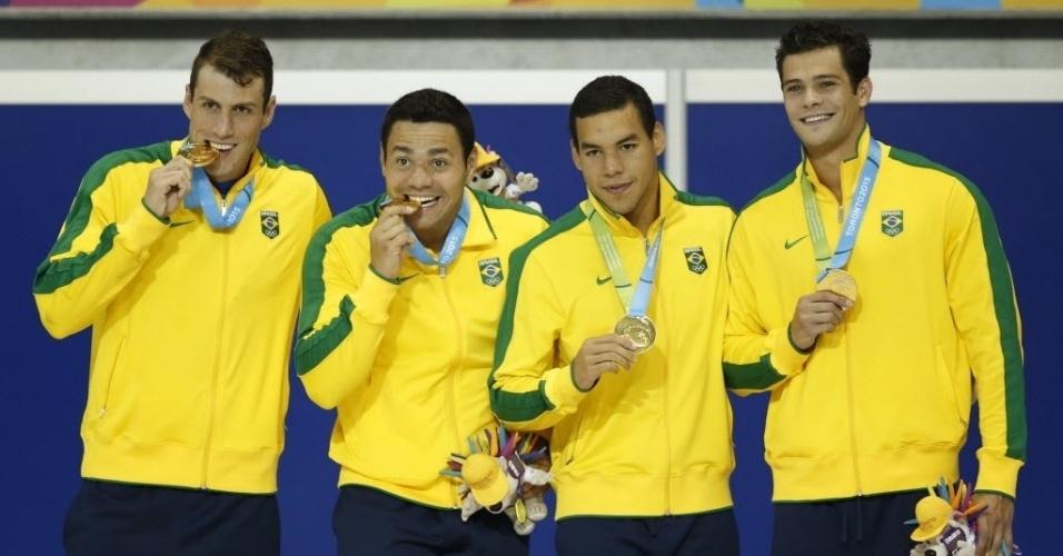 Arthur Mendes, Marcelo Chierighini, Guilherme Guido e Felipe Franca da Silva garantiram medalha de ouro no revezamento 4x100m medley