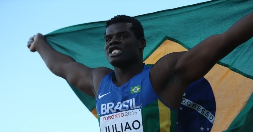 Ronald Julião comemora medalha de prata no arremesso de disco do Pan de Toronto