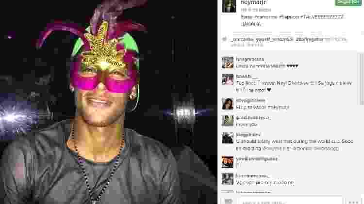 Neymar com máscara de Carnaval - Reprodução/Instagram - Reprodução/Instagram