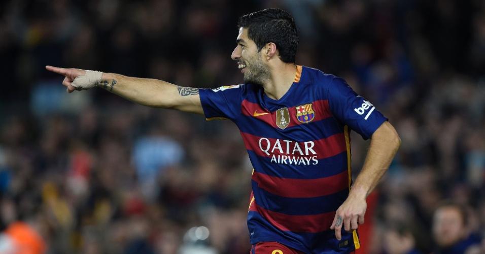 Suárez comemora um de seus gols na vitória do Barcelona por 6 a 1 sobre o Celta