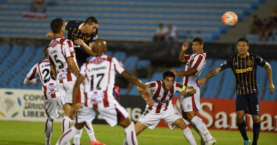 Rosario Central venceu o River Plate-URU por 3 a 1 no estádio Centenário, em Montevidéu