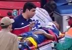 Jogador do Fortaleza sai de campo em ambulância após choque de cabeça - Reprodução