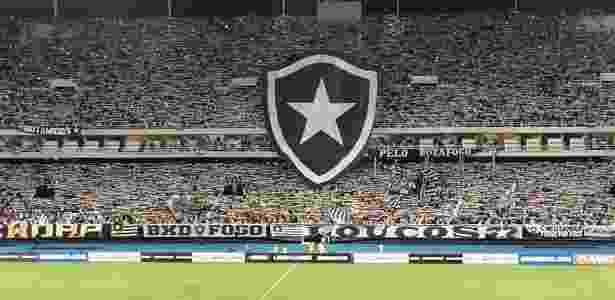 Torcida do Botafogo fez linda festa na entrada da equipe em campo - Facebook Botafogo - Facebook Botafogo
