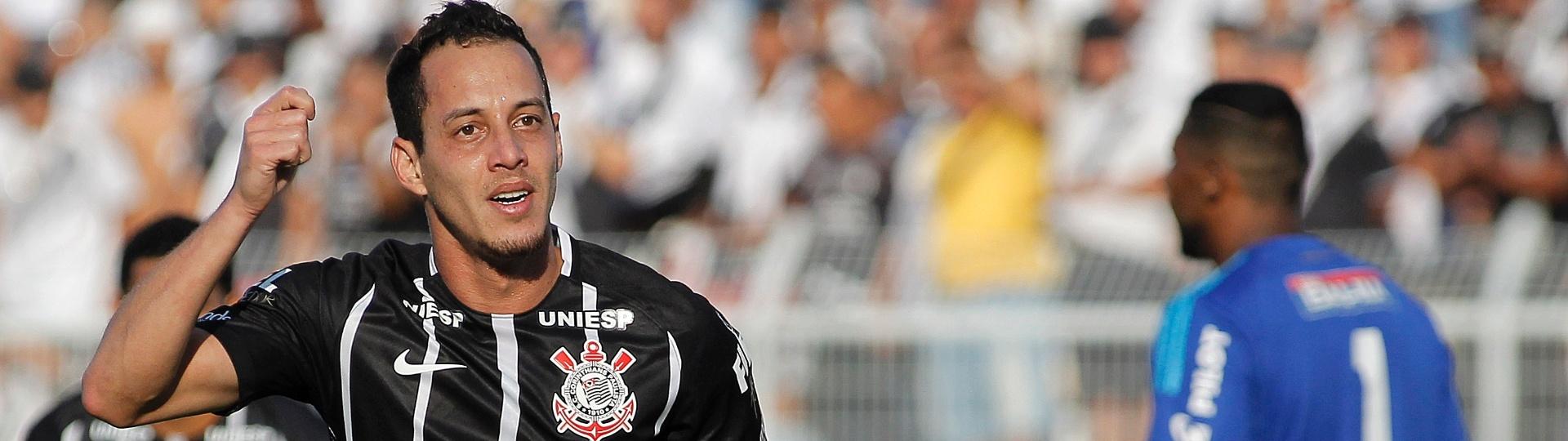 Rodriguinho comemora gol do Corinthians contra a Ponte Preta, em Campinas