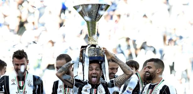 Daniel Alves deverá deixar a Juventus