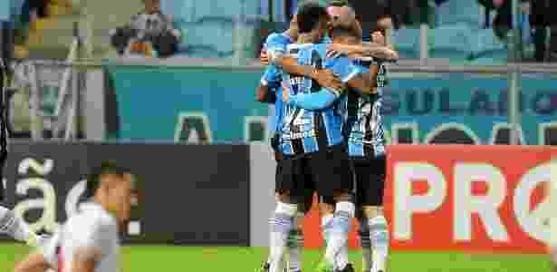 Grêmio se desdobra para evitar lesões em meio às maratonas de jogos - Ricardo Rimoli/AGIF