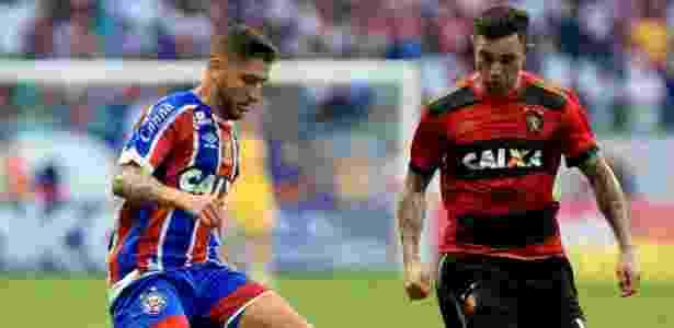 Zé Rafael e Mena disputam a bola em lance de Bahia x Sport - Bahia/Flickr/Divulgação - Bahia/Flickr/Divulgação
