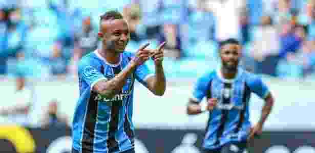 Everton é um dos reservas que o Grêmio irá preservar diante do Santos, domingo - Lucas Uebel/Gremio FBPA