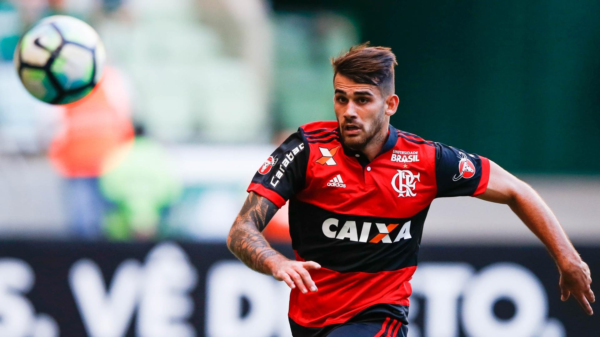 Felipe Vizeu em lance de Flamengo x Palmeiras