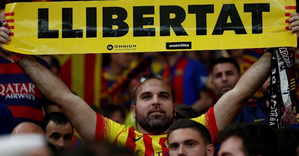 Barcelona x Sevilla | Final tem hino espanhol vaiado e veto a camisas