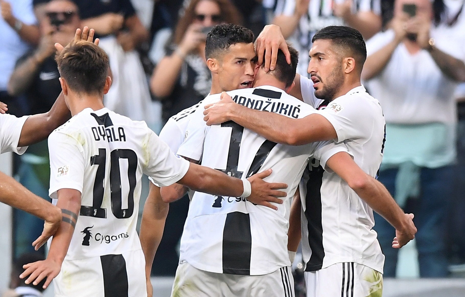 Cristiano Ronaldo participa de 3 gols f5a45f212384d