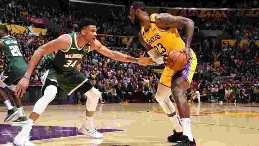O Los Angeles Lakers de Lebron James, lidera a conferência Oeste e o Milwaukee Bucks de Giannis Antetokounmpo, a conferência Leste - Andrew D. Bernstein/NBAE via Getty Images