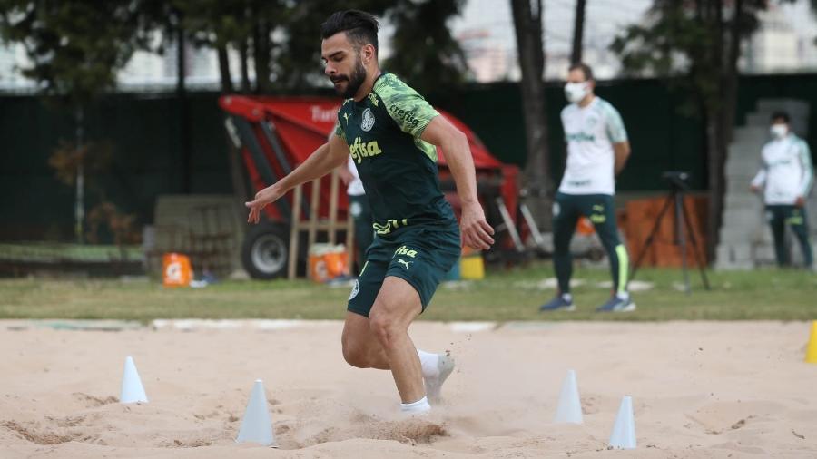 Bruno Henrique em ação em treino do Palmeiras na Academia de Futebol - Cesar Greco/Palmeiras