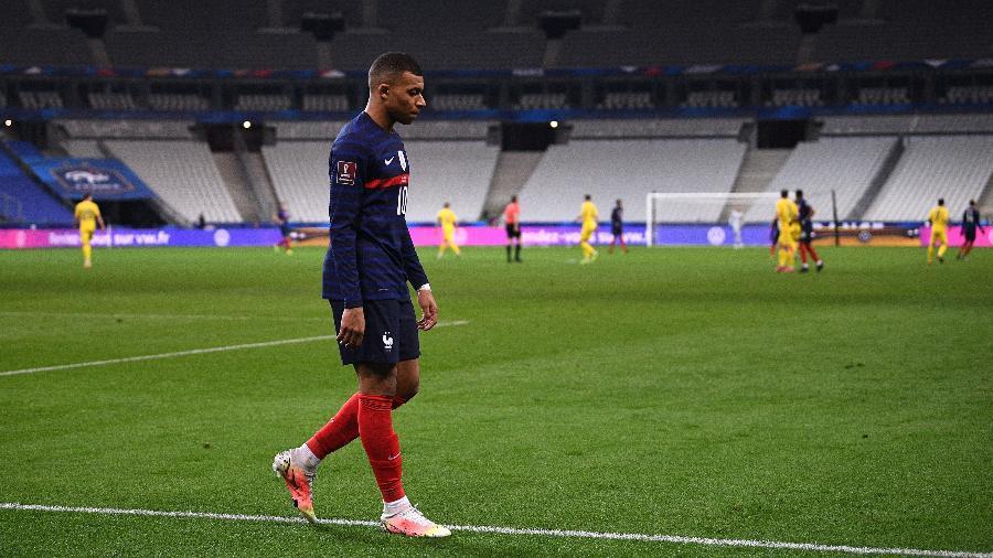 Mbappe durante o duelo da seleção francesa contra a Ucrânia - FRANCK FIFE/AFP