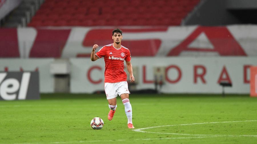 Johnny, volante do Inter, receberá sequência no time pelo Brasileirão  - Ricardo Duarte/Inter