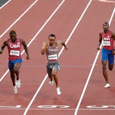 Andre De Grasse, do Canadá, venceu prova acirrada dos 200m rasos masculino - Phil Noble/Reuters
