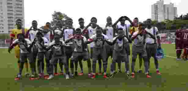 Time do Pérolas Negras durante a disputa da Copa São Paulo de Futebol Júnior - Danilo Verpa/Folhapress