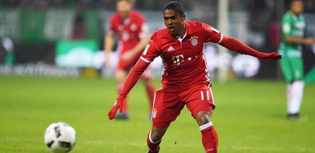 Douglas Costa deverá deixar o Bayern
